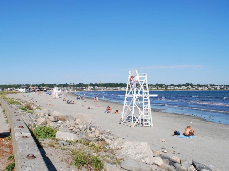 Easton 39 s beach first beach rhode island shoreline for Rhode island bath house